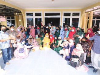 Relawan muslimah Safari silaturahmi ke rumah dinas wakil Bupati Limapuluh Kota.