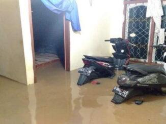 Suasana Tapan saat banjir.