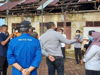 Wagub Audy Joinaldy saat mengunjungi SMAN 2 Tuapejat.