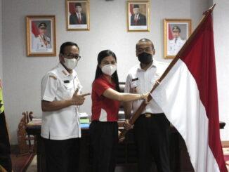 Atlet asal Payakumbuh dilepas oleh Wagub Sumbar, Audy Joinaldy.