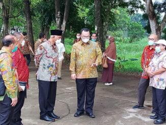 Gubernur Sumbar saat mengunjungi IPB.