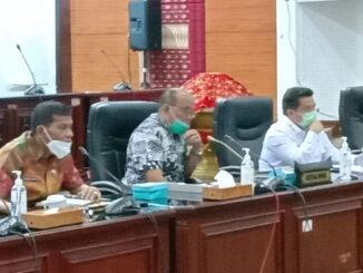 Ketua DPRD Sumbar Supardi saat menerima audensi Ketua BNN Sumbar.