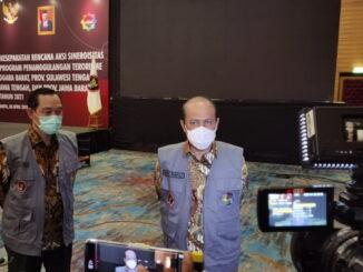 Komjen Boy Rafli dan Irjen Pol. Drs Armed Wijaya, M.H. saat konferensi pers.