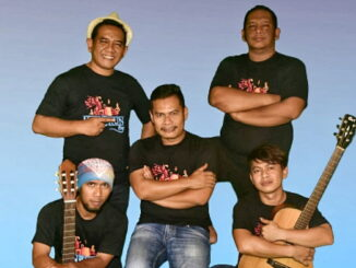 Para personal grup band Heniikun Bay.