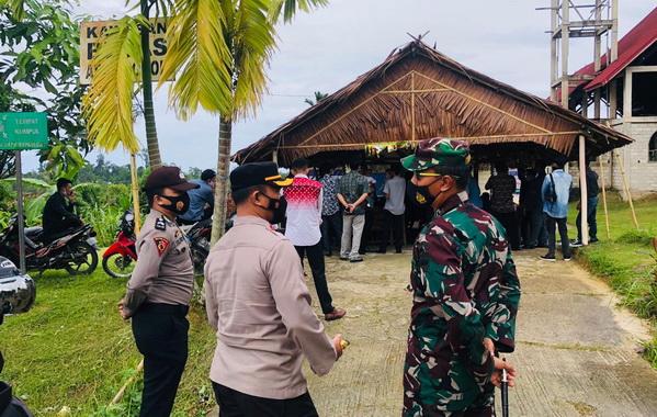 Patroli pengamanan Paskah di Mentawai.