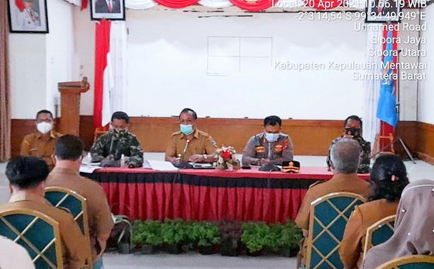 Rakor pencegahan penularan Covid-19 di Mentawai.
