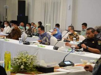 Rapat kerja Menteri PPN/Bappenas dengan Pemprov Sumbar.