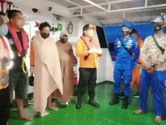 Team SAR Gabungan Mentawai setelah berhasil melakukan pencarian dan pertolongan 4 Orang warga Desa Malilimok.