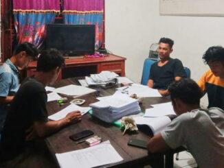 Tim Dusun Kaliou desa goisooinan kecamatan Sipora Utara kabupaten kepulauan dalam penyelesaian kegiatannya.