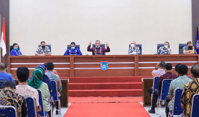 Wako Payakumbuh pimpin Rakor penanganan Covid-19 dan percepatan pemulihan ekonomi daerah.