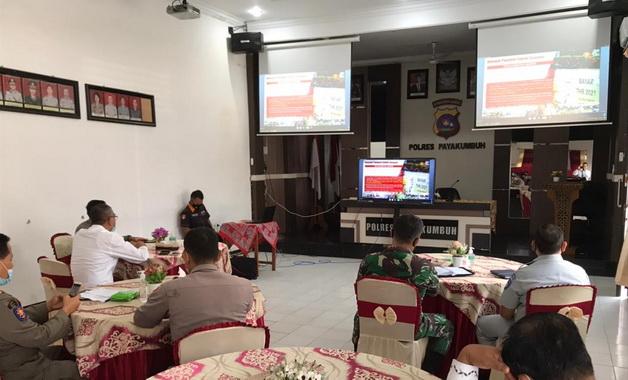Zoom meeting Rakor Lintas Sektoral Ops.Ketupat Singgalang 2021 di Aula Mapolres Payakumbuh.