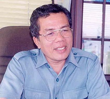 DR. Agus Taher.