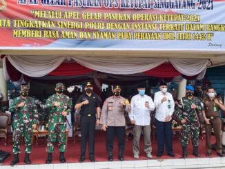 Foto bersama usai Apel Akbar Operasi Ketupat Singgalang 2021.