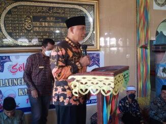Gubernur Mahyeldi saat memberi sambutan di Masjid Nurul Iman