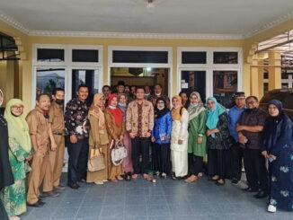 Para pelaku pendidikan di Limapuluh Kota usai pertemuan dengan Wabup RKN.