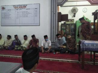 Safari Ramadhan, Zarfi Deson, anggota DPRD Provinsi Sumatera Barat di Masjid Nurul Mukminin Padang Panjang II, Kenagarian Kambang Utara.