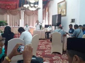 Silaturrahmi bupati Eka Putra dengan wartawan.