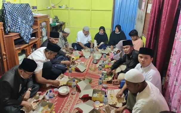 Singgah sahur Gubernur Sumbar di rumah Latifa.