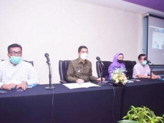 Walikota Sawahlunto Deri Asta, SH saat Zoom Meeting.