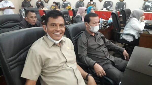 Anggota DPRD Kota Padang fraksi PBN, Helmi Moesim dan Osman Ayub.