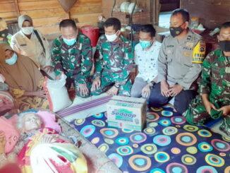 Anjangsana dan tali asih ke rumah Veteran Pejuang Kemerdekaan RI (PKRI) yang sedang terbaring menderita sakit.