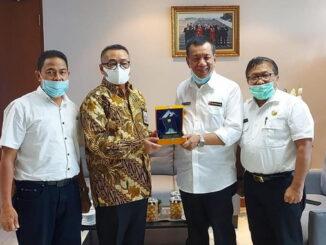 Bupati Pessel Drs. Rusma Yul Anwar bersama Menteri PUPR.