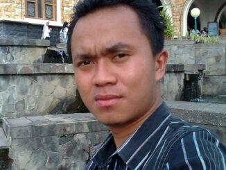 Dr.Taufik Hidayat.