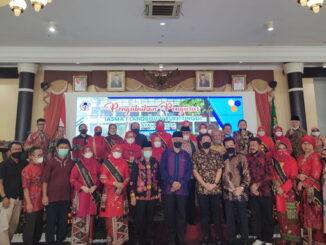 Gubernur Mahyeldi bersama alumni SMA Landbouw Bukittinggi.