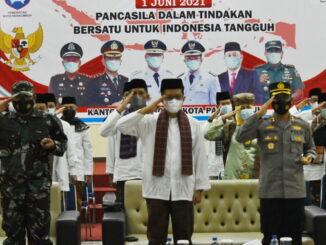 Jajaran Pemko Payakumbuh saat mengikuti upacara secara virtual.