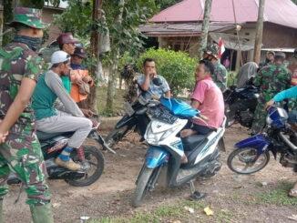Komsos personil satgas TMMD di jorong Talang Nagari Talang Maur.