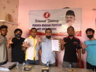 Manufer Putra Firdaus bersama pengurus ABTI Kota Padang.