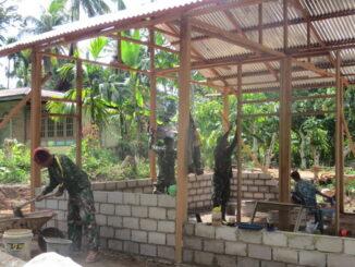 Pembangunan rumah tidak layak huni di lokasi TMMD Limapuluh Kota.