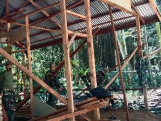 Pembangunan rumah yang tak layak huni oleh Satgas TMMDN.