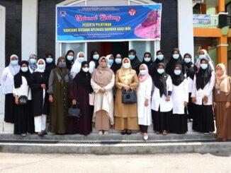 Pengusaha IKM Peserta pelatihan rancangan busana aplikasi bordir di Payakumbuh.