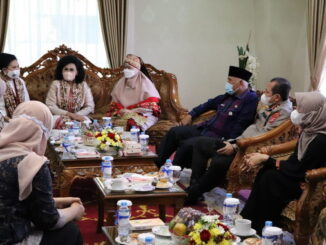 Ramah tamah Gubernur Sumbar dengan istri Palima TNI.