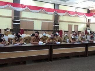 Rapat evaluasi penangananan Covid-19 di Kab. Solok.