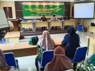 Satgas TMMD berikan penyuluhan bidang pertanian kepada warga Maek bersama dinas terkait.