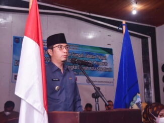 Walikota Sawahlunto menyampaikan pesan saat pelantikan dan pengambilan sumpah jabatan.
