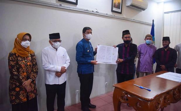 Walikota Sawahlunto setelah menandatangani Naskah Perjanjian Hibah.