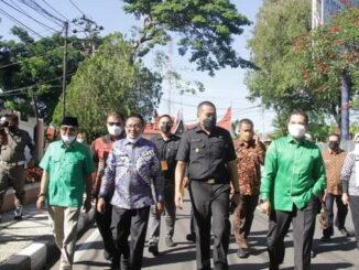 Bupati Eka Putra saat mendampingi kunjungan Wagub Audy Joinaldy ke Kab. Tanah Datar.