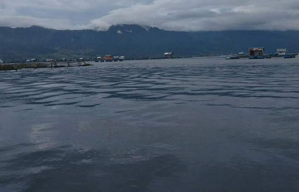 Danau Maninjau, salah satu obyek wisata di Kab. Agam.