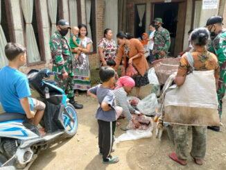Dimana saja ada kesempatan, dimanfaatkan satgas TMMD di Talang Maur untuk mensosialisasikan Prokes dan Vaksinasi covid 19.