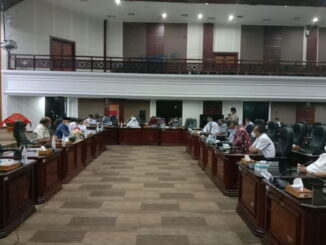 Ketua DDPRD Sumbar Supardi saat membuka diskusi pansus RPJMD dengan stekholder di ruang sidang utama DPRD Sumbar.