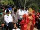 Kunjungan bupati Epyardi Asda ke Koto Hilalang.