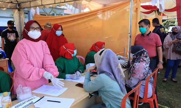 Pelaksanaan mega gebyar vaksinasi covid 19 di Payakumbuh.