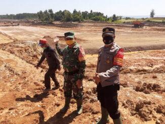 Pengukuran tambahan lahan bandara rokot wilayah Desa Matobe kecamatan Sipora Selatan kabupaten kepulauan Mentawai.