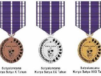 Piagam Tanda Kehormatan Presiden Republik Indonesia.