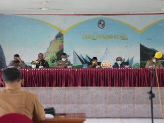 Safaruddin Dt. Bandaro Rajo saat membuka rapat akselerasi vaksinasi Covid 19