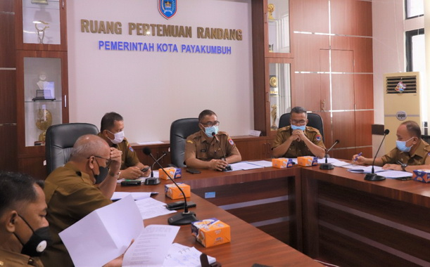 Sekdako Payakumbuh pimpin Rapat persiapan memperingati HUT RI ke 76.