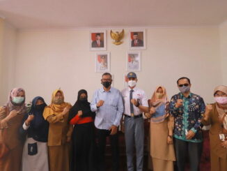 Wako Riza Falepi bersama putra-putra terbaik Kota Payakumbuh yang akan ke Jakarta.